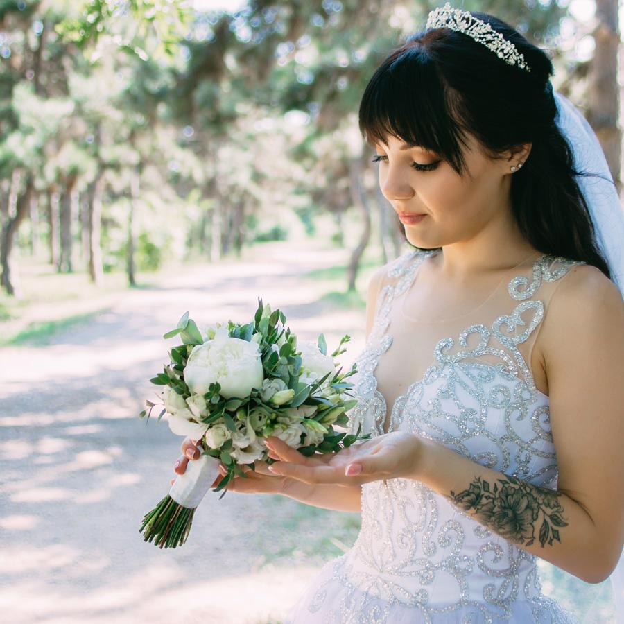 образ нареченої, стиль файн арт в весіллі, скільки коштує зіграти весілля в Україні, весільний фотограф Солодкий Максим